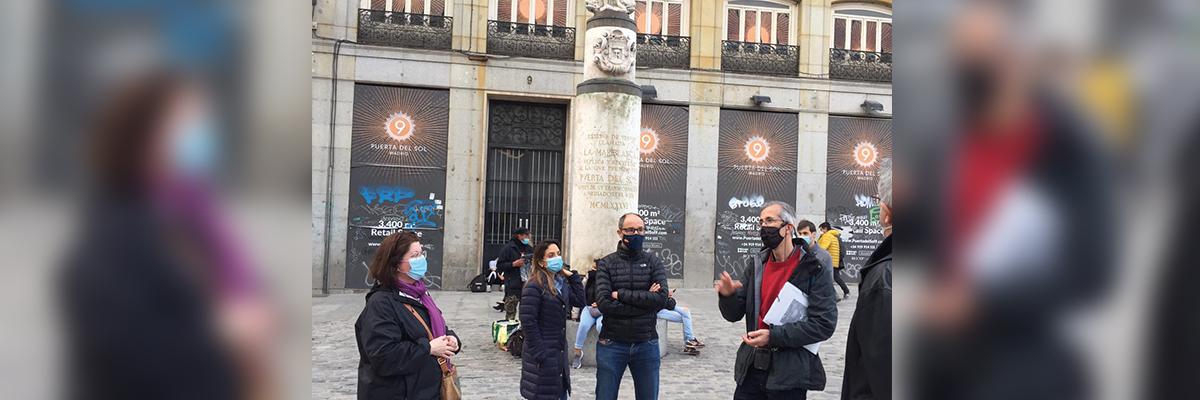 Asociados de Alumni+ en un paseo por el Madrid de Galdós