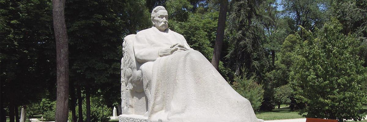 Estatua Don Benito