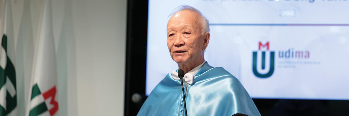 Dong Yansheng, investido doctor honoris causa por la UDIMA