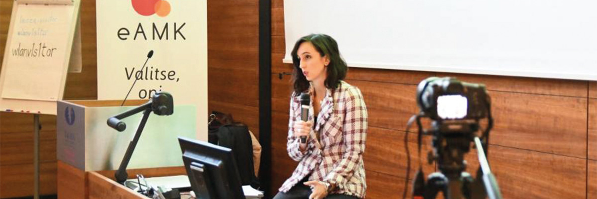 Silvia Prieto en un seminario