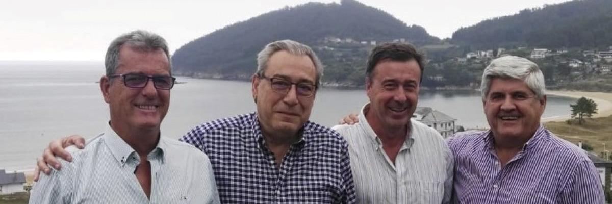 Grupo de amigos del profesor Carlos de la Peña