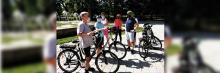 Asociados de Alumni+ en un recorrido en bicicleta por los parques de Madrid